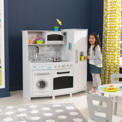 Kidkraft Large Play Kitchen2