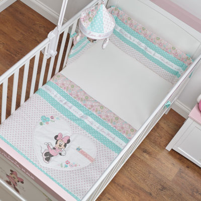 Obaby Minnie Mouse Quilt and Bumper - Love Minnie 3